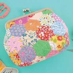 Looking for your next project? You're going to love Hexie Framed Purse by designer Just Jude N. Metal Glue, Local Craft Fairs, Sewing Magazines, Scrap Busters, Frame Purse, Frame Template, English Paper Piecing, Charm Pack, Quilted Bag