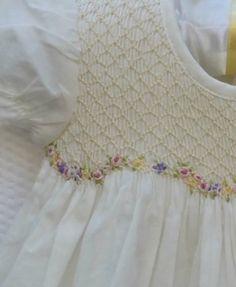 Smocking Baby, Smocking Plates, Smocking Patterns, Sewing Patterns, Smocking Tutorial, Skirt Patterns, Coat Patterns, Blouse Patterns, Sewing Kids Clothes