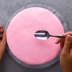 Cake Decorating Videos, Cake Decorating Techniques, Cookie Decorating, Decorating Ideas, Simple Cake Decorating, Cake Decorating For Beginners, Cake Decorating Frosting, Birthday Cake Decorating, Food Cakes