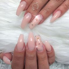 Unicorn builder gel only @fiina_naillounge . The most natural elegance look.