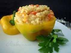 Risotto ai peperoni: buono, semplice e veloce, è una gioia per gli occhi e per il palato. La modalità di cottura è quella classica dei risotti ma se ...
