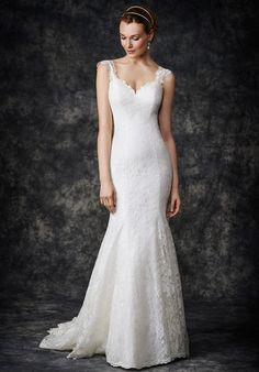 Mermaid gown with lace embellished sleeves and sweetheart neckline | Kenneth Winston Gallery Collection | http://knot.ly/64908HWC4