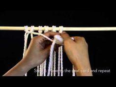 DIY Macrame: Horizontal double half hitch - YouTube
