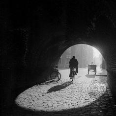 1940's. View on the underpass near the train tracks at the HaarlemmerHouttuinen…