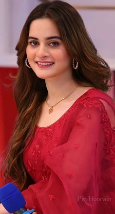 Pakistani Fancy Dresses, Pakistani Girl, Pakistani Actress, Simple Dress For Girl, Simple Dresses, Aiman Khan, Indian Embroidery, Celebs, Celebrities