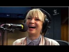 ▶ Sia - Soon We'll Be Found - Acoustic - With croaky voice still Magnificent - Triple J TV - YouTube