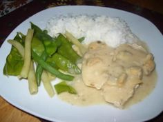 Poitrines de poulet au fromage à la mijoteuse Curry, Chicken, Cooking, Dj, Food, Chicken Casserole, Slow Cooker Recipes, All Food Recipes, Chicken Legs