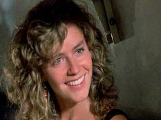 Elisabeth Shue Cocktail, Cocktail 1988, Sandy Mandy, 80s Actresses, 80s Hair, Kirsten Dunst, Petite Women, Vintage Movies, Timeless Beauty