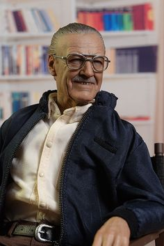 Hot Toys Stan Lee sixth scale action figure Marvel Heroes, Marvel Dc, Wil Wheaton, Man Lee, Figure Model, Funny Clips, Figs, Marvel Universe, Cool Toys