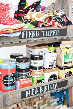 Käsityöläisten omat tuotteet löytyvät lähi- ja luomupuodista.