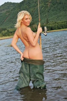 TOPLESS BABE FISHING