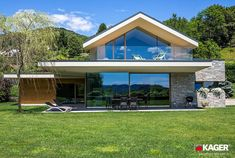 Contemporary house exterior - Supermodern houses in HiTech style Flat Roof House, Facade House, Casas Magnolia, Chalet Design, Prefabricated Houses, Tech House, Dream House Exterior, Modern House Design, Home Fashion