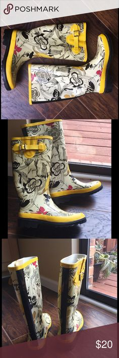 The Sak Rain Boots, excellent condition! The Sak Rain Boots. Stylish rubber Wellington boots by The Sak. The PEACE Yellow Rain Boots have a joyful printed motif in black, white, red and yellow color and have a gripped sole. At the side they are decorated with a yellow rubber strap with a metallic buckle. The boots are perfect for rainy days or winter days, just add some warm sucks! Excellent condition! Size 6 and can fit some 6,5. The Sak Shoes Winter & Rain Boots