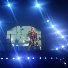 Show Picture -- Jumping Time #purpose #justinbieber #purposetour #purposetour2016 #oakland #purposetouroakland