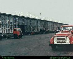 Daf fabriek met reclame van Janse Lichtreclame, 1965