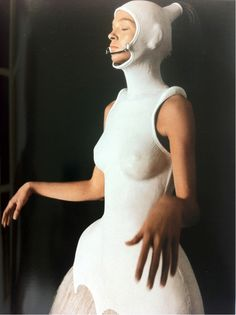 """'beyond the threshold' by Alexander McQueen : """"It's Only a Game"""", spring/summer 2005 . Mariacarla Boscono wears moulded prosthetic leather for Alexander McQueen . 90s Fashion, Fashion Art, Fashion Show, Space Fashion, High Fashion, Alexander Mcqueen, Mcqueen 3, Beautiful Mind, Victoria And Albert Museum"""