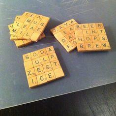 8 objets a ramener de brocante - DIY sous verre Scrabble - www.pierrepapierciseaux.be