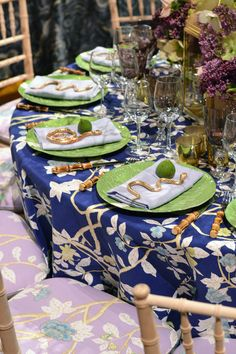 Table setting at the 2015 Lenox Hill Neighborhood House Gala