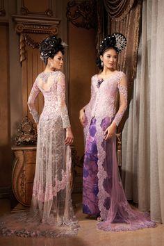 Princesses Dewinta and Laksmita dresses