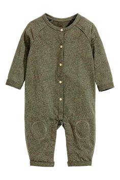 Macacão em jersey: EXCLUSIVO BEBÉ/CONSCIOUS. Macacão mesclado em jersey macio de…