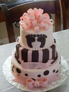 Brown and pink Baby shower cake with adorable feet. Pretty Cakes, Cute Cakes, Beautiful Cakes, Amazing Cakes, Beautiful Boys, Torta Baby Shower, Fondant Cakes, Cupcake Cakes, Shower Bebe
