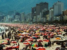 During the summer all the beaches are packed. Hotels And Resorts, Best Hotels, Brazil Beaches, South American Countries, Find Hotels, During The Summer, Travel Agency, Hostel, Dolores Park