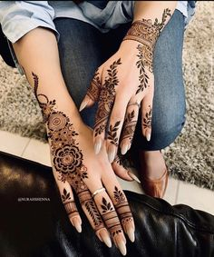 Pin For Trend Presented Amazing Backhand Arabic Mehandi Designs That You Must Try - Mehandi Designs 2019 - 2020 (Latest Mehandi Designs Images) Khafif Mehndi Design, Mehndi Designs 2018, Mehndi Designs For Fingers, Dulhan Mehndi Designs, Mehndi Design Photos, Mehndi Designs For Hands, Mehendi, Mehandi Designs, Henna Designs Feet