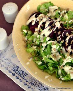 Πράσινη σαλάτα με παντζάρι κ κρεμώδη σάλτσα φέτας Cobb Salad, Recipies, Tacos, Food And Drink, Mexican, Sweets, Chicken, Meat, Cooking