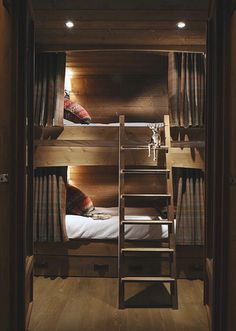 Bunk bed perfection for a country home... - bunk beds / bunk room