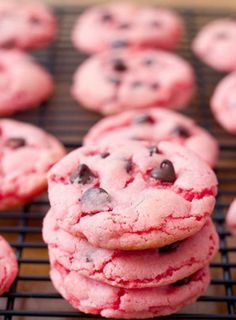 Pink (!!!) chocolate chip cookies and other baby shower food ideas for a girl. SUCH a sweet idea! /ES #babyshowerregistry