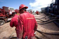 The oil selloff has made Halliburton desperate to combine with Baker Hughes