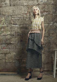 Rosie Assoulin Resort 2017 Fashion Show  http://www.vogue.com/fashion-shows/resort-2017/rosie-assoulin/slideshow/collection#2