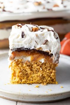 Layered Pumpkin Turtle Cheesecake - A Spicy Perspective Layered Pumpkin Turtle Cheesecake - A Spicy. Layered Pumpkin Cheesecake, Pumpkin Spice Cake, Pumpkin Dessert, Thanksgiving Desserts Easy, Great Desserts, Fall Desserts, Dessert Ideas, Fudge, Turtle Cheesecake Recipes