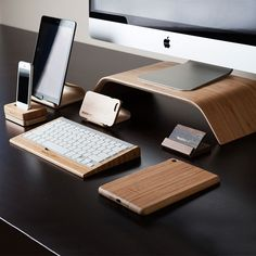 Tech Accessories in Walnut & Bamboo by Maderacraft | MONOQI #bestofdesign | Origin Canada | Material Walnut & Bamboo