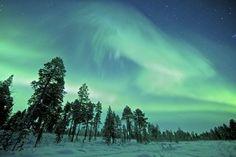Lapland, een uitgestrekt gebied over het noorden van Europa. Hier verken je het gebied per sneeuwscooter, word je op de slee getrokken door huskyhonden en kun je het fenomenale noorderlicht bewonderen. Deze reis brengt je naar het Zweedse Lapland en laat je kennismaken met de oorspronkelijk bewoners, de Sami. via effefoetsie.nl