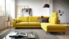 63 Trendy Decor Home Yellow Living Rooms Living Room Sofa, Living Room Interior, Living Room Decor, Bedroom Decor, Living Rooms, Sofa Design, Furniture Design, Interior Design, Buy Sofa Online