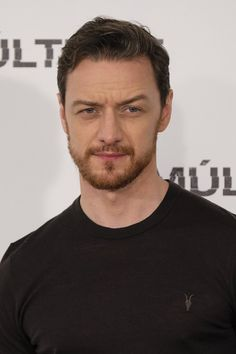 "James McAvoy on ""Split"" photocall at Villamgna Hotel in Madrid Januari 2017 - The fit is like pffffffff"
