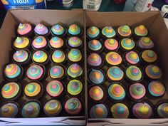 """Seuss """"Oh the Places You'll Go"""" cupcakes- Get Dilini or Anna to make? 8th Grade Graduation, Graduation Theme, Kindergarten Graduation, Graduation Cupcakes, Graduation Ideas, Dr Seuss Birthday Party, Baby Birthday, First Birthday Parties, First Birthdays"""