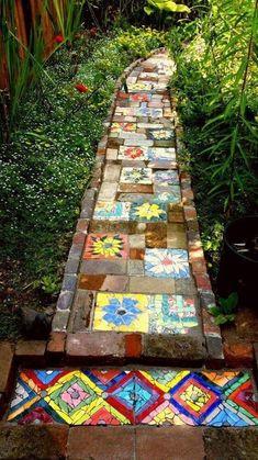 Mosaic Garden Art, Mosaic Art, Mosaic Glass, Pebble Mosaic, Mosaic Walkway, Mosaic Stepping Stones, Brick Walkway, Concrete Walkway, Garden Crafts