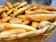 El tradicional birote salado de Guadalajara es uno de los panes más consumidos y codiciados por la mayoría de quienes disfrutan de las ricas tortas ahogadas y las mil maneras de acompañarlo con otras delicias. Se dice que solamente en Guadalajara se puede hacer este pan con el sabor inigualable que lo caracteriza. Sin embargo,…