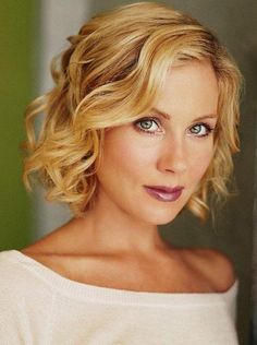 church hairstyles : Christina Applegate Hairstyles - Pics of Christina Applegate Hair ...