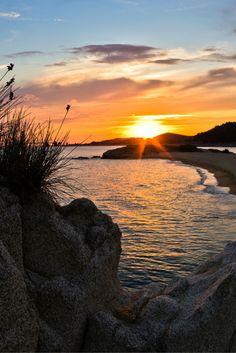 Ontdek het prachtige, Griekse eiland Chalkidiki! Ga even ontspannen op de mooie stranden of bezoek de kleine vissersplaatjes en loop door de schilderachtige dorpjes. Een ultieme plek om tot rust te komen, is bij de rustige baaitjes. En proef natuurlijk de Griekse specialiteiten op het eiland! https://ticketspy.nl/deals/zon-zee-en-strand-op-chalkidiki-va-e254/