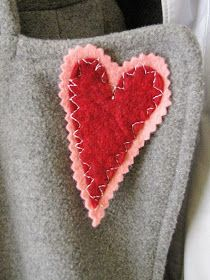Just a little heart broach I threw together to add some color to my coat.  It needed some love. So far the only thing I can sew is felt and ...