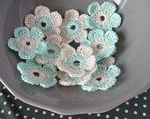 12 x Crochet Flowers, Crochet Daisy, Handmade Crochet Embellishment, Small Crochet Flowers, Aqua Natural White Daisy, Appliques - set of 12