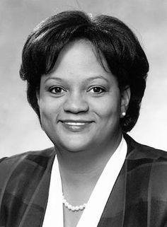 Regina Benjamin practices as a country doctor in rural Alabama. As founder and CEO of the Bayou La Batre Rural Health Clinic, Dr. Regina Benjamin is making a difference to the underserved poor in a small fishing village on the Gulf Coast of Alabama. It is a town of about 2500 people, about 80 percent of her patients live below the poverty level, and Dr. Benjamin is their only physician.