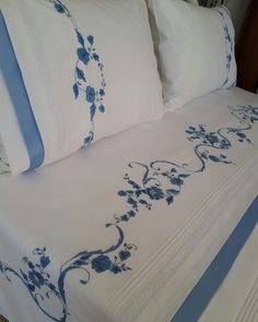 This Pin was discovered by Hat Sheet Curtains, Lace Curtains, Luxury Bed Sheets, Luxury Bedding, Linen Bedding, Bedding Sets, Bed Linens, Clothing Store Displays, Pillow Crafts
