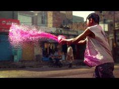 Une petite vidéo amateur présentant l'ambiance de Holi, le festival des couleurs. Très sympa!