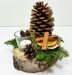 Lubisz tworzyć ozdoby, ale nie masz pomysłu na dekorację stołu? Już nie musisz się tym martwić, w kilka chwil stworzysz stroik bożonarodzeniowy z materiałów, które zapewne masz w zasięgu ręki. Zobacz szybką instrukcję przygotowania stroika.