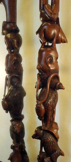 """Détails du Bâton dit du """"Chat Hurlant"""" : Bâton de buis entièrement sculpté d' animaux fantastiques... Sculpture de Pierre Damiean. Voir le Site: www.pierdam.fr"""