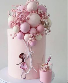 Baby Girl Birthday Cake, Candy Birthday Cakes, Creative Birthday Cakes, Elegant Birthday Cakes, Beautiful Birthday Cakes, First Birthday Cakes, Birthday Cake Designs, Elegant Cakes, Cake Decorating Frosting